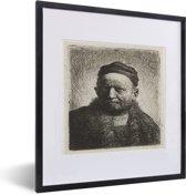 Foto in lijst - De man met kalotje - Schilderij van Rembrandt van Rijn fotolijst zwart met witte passe-partout 40x50 cm - Poster in lijst (Wanddecoratie woonkamer / slaapkamer)