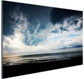 Dramatisch licht en wolken boven zee Aluminium 90x60 cm - Foto print op Aluminium (metaal wanddecoratie)