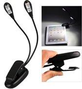 Boeklampje/Boek Leeslamp Met Led Verlichting op Basis van AAA Batterijen of USB kabel | klem voor bij het lezen| 2 led lampen aanwezig | Inclusief USB kabel