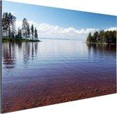 Zicht op het meer in de zomer Aluminium 30x20 cm - klein - Foto print op Aluminium (metaal wanddecoratie)