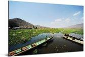 Het Inlemeer met uitzicht op landschap in Birma Aluminium 90x60 cm - Foto print op Aluminium (metaal wanddecoratie)