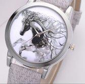Elegant horloge met fantasie paard