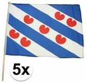 5x Friesland zwaaivlaggen lichtblauw 45 x 30 cm