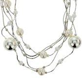 Zilver-kleurige ketting met parels