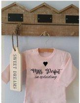 Shirtje roze Mrs Perfect in opleiding | Lange of korte mouw | lichtroze| maat 56-110