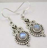 Natuursieraad -  925 sterling zilver maansteen oorhangers - luxe edelsteen sieraad - handgemaakte oorbellen