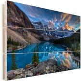 Schemering bij het Canadese Moraine Lake Vurenhout met planken 90x60 cm - Foto print op Hout (Wanddecoratie)