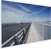 Een blauwe lucht boven de brug in Shenyang Plexiglas 120x80 cm - Foto print op Glas (Plexiglas wanddecoratie)