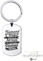 Niemand Is Perfect - Arthur - RVS Sleutelhanger