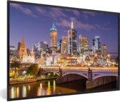 Foto in lijst - Skyline van Melbourne in de nacht fotolijst zwart 60x40 cm - Poster in lijst (Wanddecoratie woonkamer / slaapkamer)