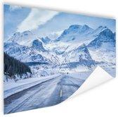 Besneeuwde bergen Poster 60x40 cm - Foto print op Poster (wanddecoratie woonkamer / slaapkamer)