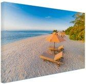 Caribisch strand met strandstoel Canvas 180x120 cm - Foto print op Canvas schilderij (Wanddecoratie woonkamer / slaapkamer) XXL / Groot formaat!