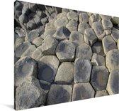 De Giants Causeway van dichtbij gezien Canvas 90x60 cm - Foto print op Canvas schilderij (Wanddecoratie woonkamer / slaapkamer)