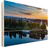 Kleurrijke zonsondergang over Straatsburg in Frankrijk Vurenhout met planken 90x60 cm - Foto print op Hout (Wanddecoratie)
