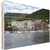 Mooi uitzicht op Bryggen in Noorwegen Vurenhout met planken 90x60 cm - Foto print op Hout (Wanddecoratie)