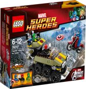 LEGO Super Heroes Captain America vs. Hydra - 76017