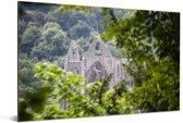 Foto van de Tintern Abbey door de bomen Aluminium 90x60 cm - Foto print op Aluminium (metaal wanddecoratie)