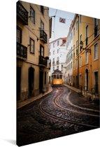 Tram bij het Alfama Portugese Lissabon Canvas 20x30 cm - klein - Foto print op Canvas schilderij (Wanddecoratie woonkamer / slaapkamer)