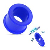 8 mm Double-flared Tunnel soft silicone blauw ©LMPiercings