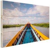 Boot in een rivier in Azie Hout 160x120 cm - Foto print op Hout (Wanddecoratie) XXL / Groot formaat!