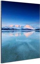 Zonsopkomst in de sneeuw Aluminium 40x60 cm - Foto print op Aluminium (metaal wanddecoratie)