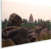 De Virupaksha tempel in India tussen de bomen en rotsen Plexiglas 90x60 cm - Foto print op Glas (Plexiglas wanddecoratie)