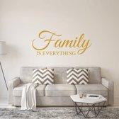 Muursticker Family Is Everything -  Goud -  160 x 66 cm  - Muursticker4Sale