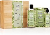 Love Beauty and Planet Luxe Geschenkset Green Bamboo Box - Rosemary & Vetiver - Kerstcadeau