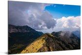 Het berglandschap van het Nationaal Park Lovćen in Montenegro Aluminium 180x120 cm - Foto print op Aluminium (metaal wanddecoratie) XXL / Groot formaat!