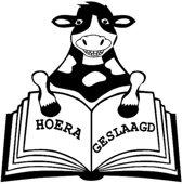 Sticker raam geslaagd koe met boek   Rosami