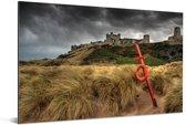 Foto van het Kasteel Bamburgh vanuit de duinen Aluminium 90x60 cm - Foto print op Aluminium (metaal wanddecoratie)