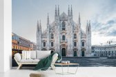 Fotobehang vinyl - De Kathedraal van Milaan in Italië breedte 345 cm x hoogte 220 cm - Foto print op behang (in 7 formaten beschikbaar)