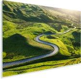 Kronkelweg door het Nationaal park Peak District in Engeland Plexiglas 180x120 cm - Foto print op Glas (Plexiglas wanddecoratie) XXL / Groot formaat!