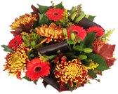 Herfst boeket maxima met oranje bruine bloemen