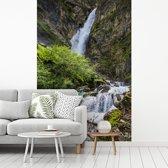 Fotobehang vinyl - Waterval in het Oostenrijkse Nationaal park Hohe Tauern breedte 270 cm x hoogte 400 cm - Foto print op behang (in 7 formaten beschikbaar)