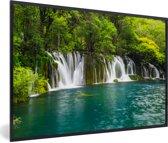 Foto in lijst - De groene natuur boven de watervallen in nationaal park Erawan fotolijst zwart 60x40 cm - Poster in lijst (Wanddecoratie woonkamer / slaapkamer)