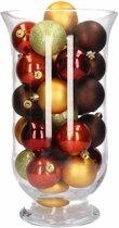 Woondecoratie rood/bruine kerstballen in vaas