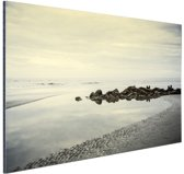 Strand in de ochtend Aluminium 90x60 cm - Foto print op Aluminium (metaal wanddecoratie) / Zee en Strand
