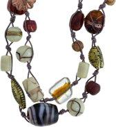 Lange bruine ketting met glas en keramieke kralen