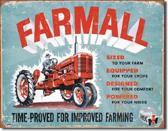 Farmall Model A Metalen wandbord 31,5 x 40,5 cm.