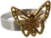Zilverkleurige ring van roestvrij staal met een goudkleurige vlinder eraan.