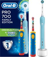 Oral-B Pro 700 + Stages Power Familypack – 2 Elektrische Tandenborstels