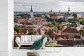 Fotobehang vinyl - Het Stadshart van Tallinn vanaf een heuvel in Estland breedte 540 cm x hoogte 360 cm - Foto print op behang (in 7 formaten beschikbaar)