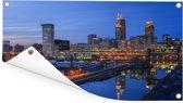 Skyline van Cleveland in de Verenigde Staten tijdens de avond Tuinposter 160x80 cm - Tuindoek / Buitencanvas / Schilderijen voor buiten (tuin decoratie)