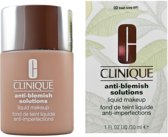 Clinique Anti-Blemish Solutions Liquid Foundation - 02 Fresh Ivory