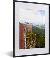 Foto in lijst - Uitzicht over het Citadelle Laferrière en het mooie groene gebergte fotolijst zwart met witte passe-partout klein 30x40 cm - Poster in lijst (Wanddecoratie woonkamer / slaapkamer)