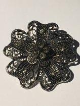 Metalen broche bloem met strass