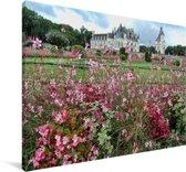 Bloemen voor het Kasteel van Chenonceau Canvas 140x90 cm - Foto print op Canvas schilderij (Wanddecoratie woonkamer / slaapkamer)