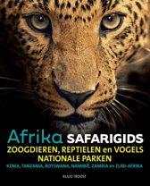 Safari reisgids Afrika, als u weten wil welk dier er voor uw lens verschijnt!