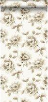 krijtverf vliesbehang aquarel geschilderde rozen beige en bruin - 128012 van ESTAhome.nl